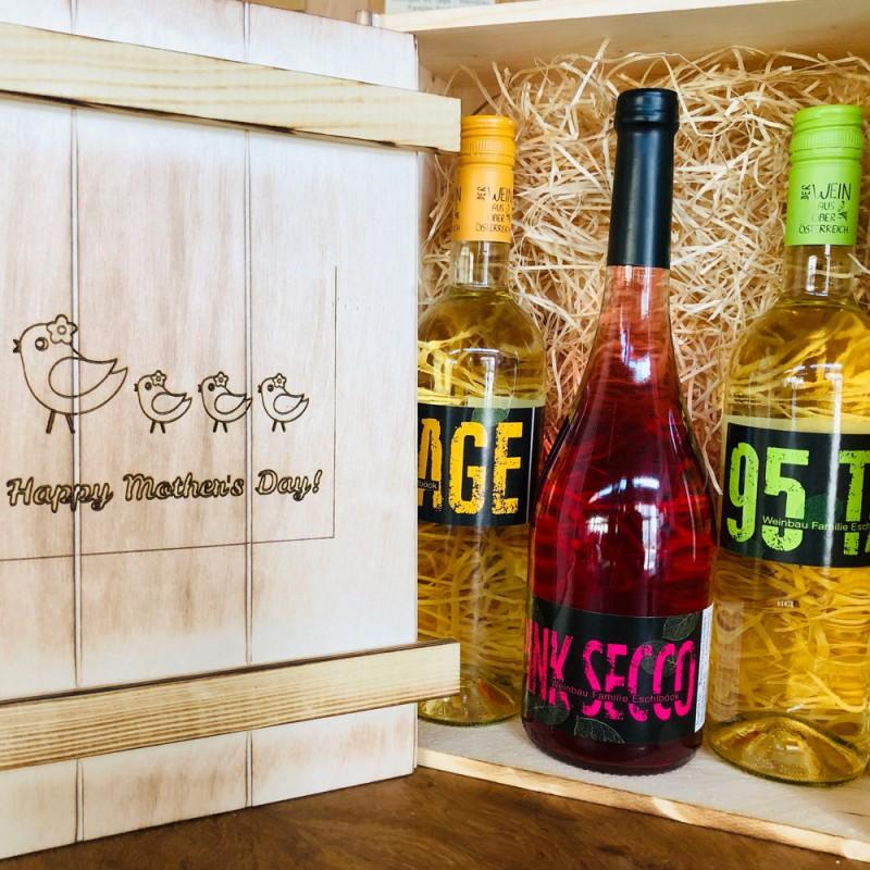 Persönlich gestaltete Holzbox mit 95Tage Weine von Weinbau Familie Eschlböck